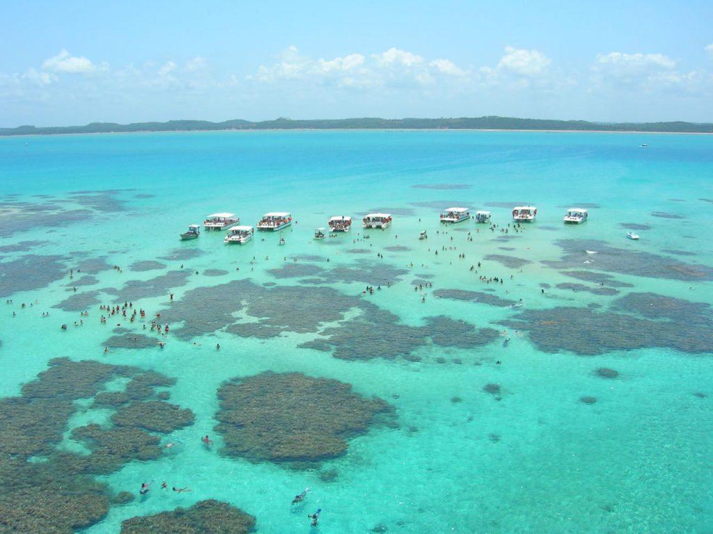 Top 10 – Melhores PraiasdoNordesteBrasileiro: Praia do Patacho, São Miguel dos Milagres (AL)