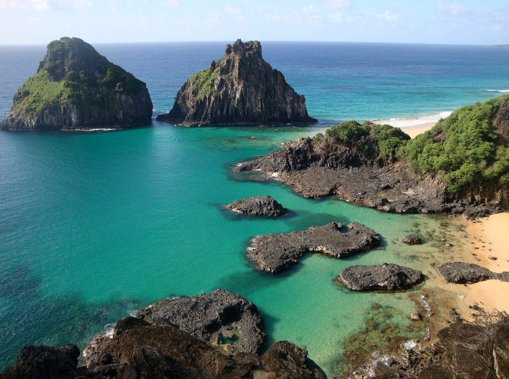 Top 10 – Melhores Praias do Nordeste Brasileiro: Baía dos Porcos, Fernando de Noronha (PE)