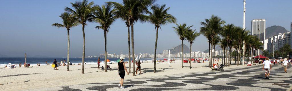 Conheça os 7,4 mil km de belezas naturais do litoral brasileiro: Copacabana (RJ)