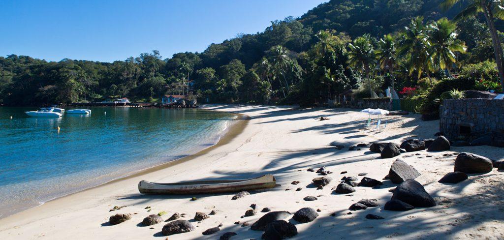Seis Praias que Você Precisa Conhecer em Angra dos Reis - Praia da Figueiras