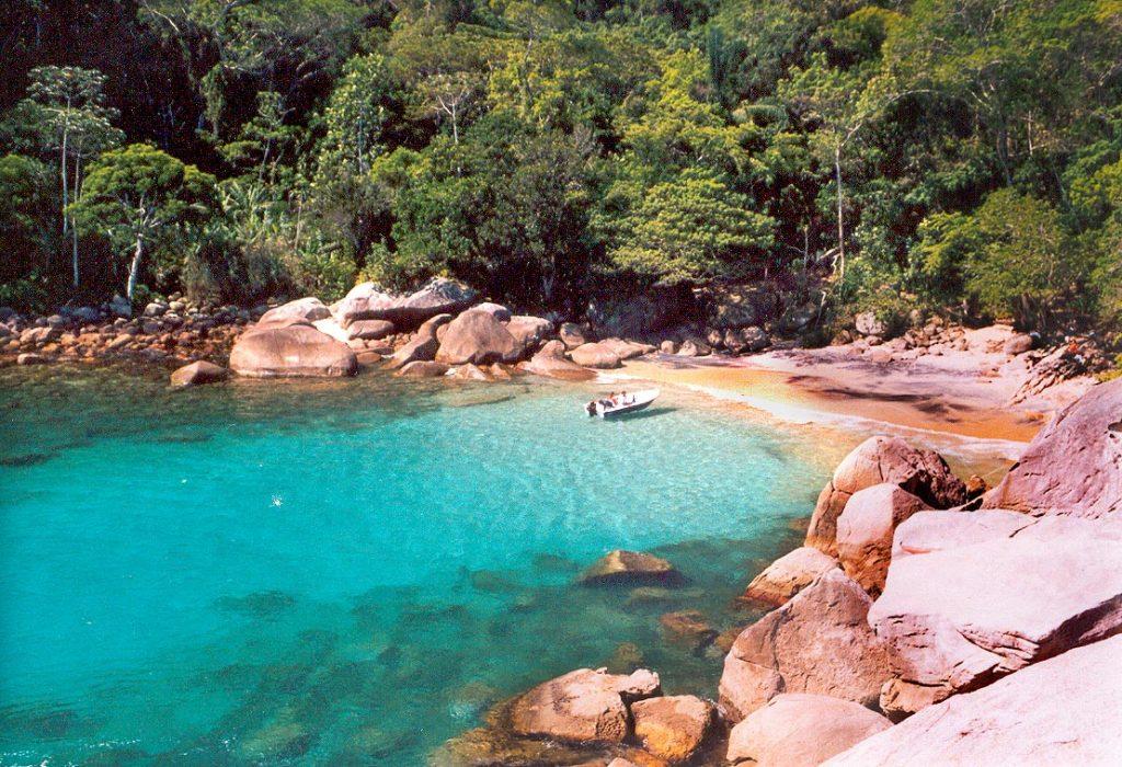 Seis Praias que Você Precisa Conhecer em Angra dos Reis - Praia do Caxadaço