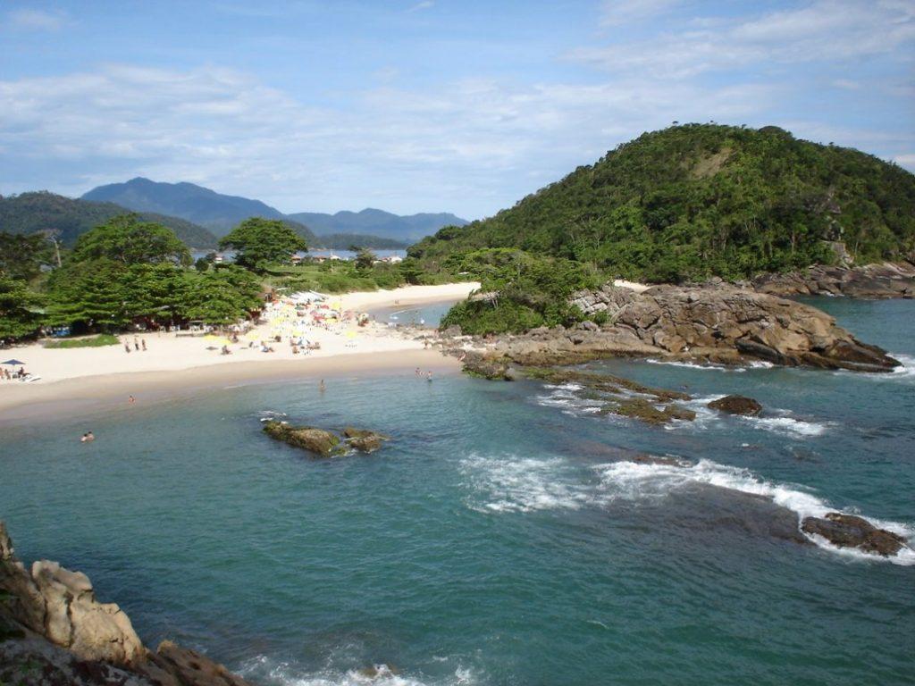 Conheça os 7,4 mil km de belezas naturais do litoral brasileiro: Praia do Meio