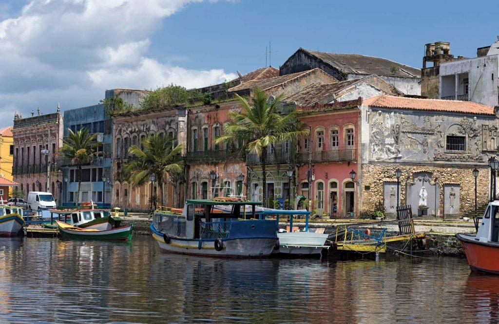 As 10 Cidades Litorâneas Mais Baratas do Verão 2017 - Paranaguá (MA)