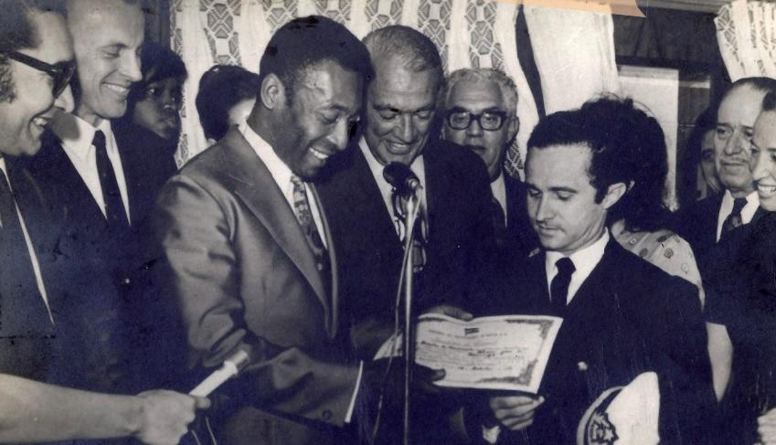 Entrega do Liner Maringá, em 1971, da Empresa de Navegação Aliança, com a presença do craque Pelé, da seleção brasileira, dos Ministros dos Transportes e Planejamento à época