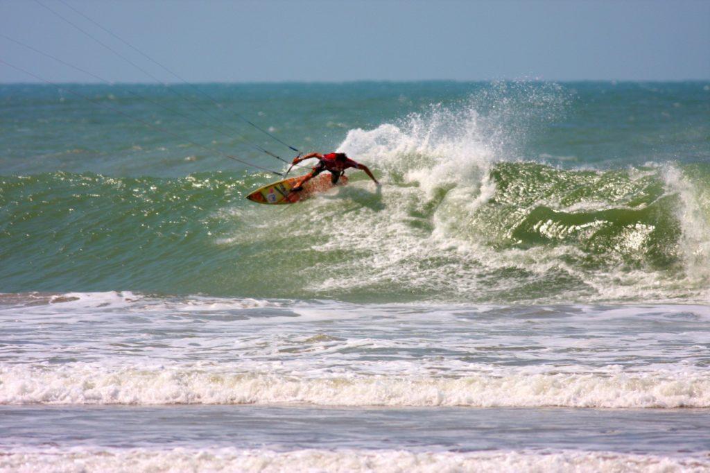As 10 Melhores PraiasBrasileiras ParaSurfar- Pico das almas (Caucaia, CE)