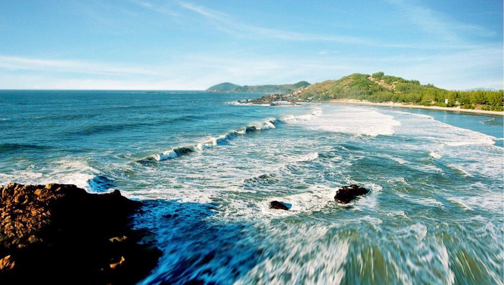 As 10 Praias Mais Bonitas do Brasil - Praia do Rosa (SC)