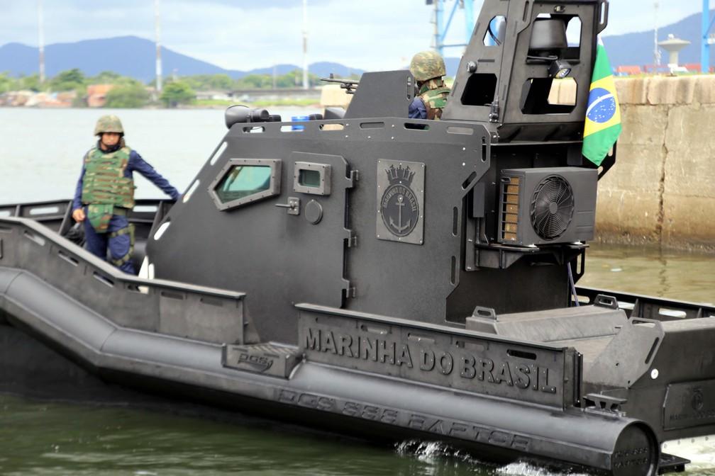 Lancha 'Mangangá', da Marinha do Brasil, vai auxiliar no combate aos crimes transfronteiriços  — Foto: José Claudio Pimentel/G1